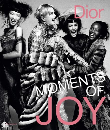 книга Dior: Moments of Joy, автор: Muriel Teodori